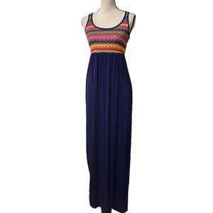 Bellamie maxi colorful top blue bottom has pockets